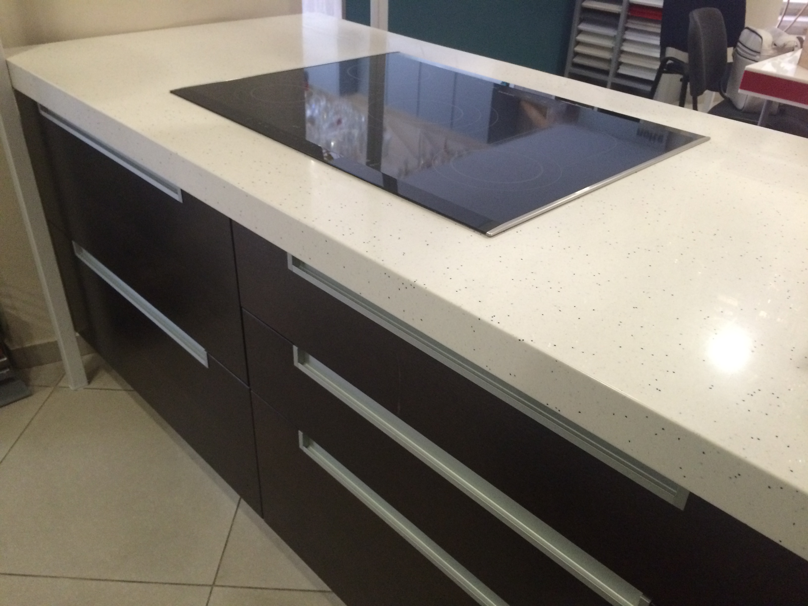 Столешница из камня в мурманске стол кухонный столешница камень