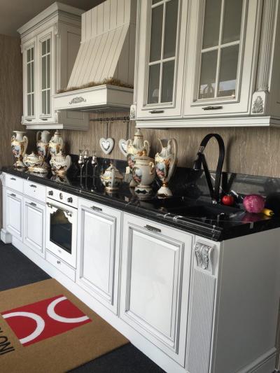 Кухня Grangala от и Berloni (мраморная столешница)